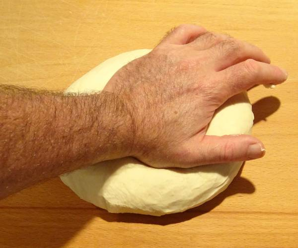 "The ""Correct"" way to Knead Dough"
