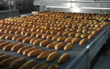 Between Artisan and Factory Bread
